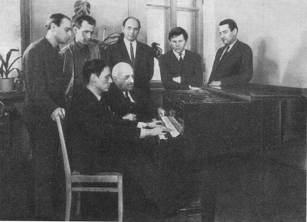 B39 4 Liatoshynsky with Hrabovsky and other students