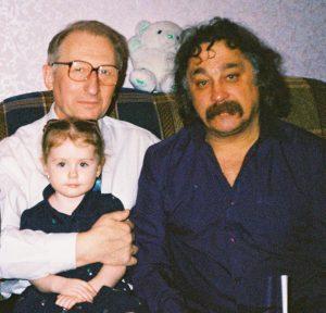 Петро Джерелянський (з онукою Поліночкою), Степан Сапеляк
